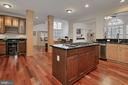 Center Island With Gas Cooktop - 42669 SILVERTHORNE CT, BROADLANDS