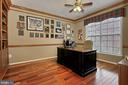 Main Level Library/Office With Built-Ins - 42669 SILVERTHORNE CT, BROADLANDS