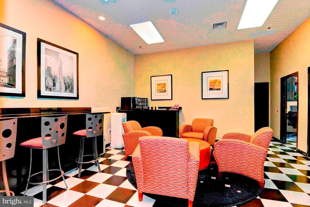 Business Center - 1001 N RANDOLPH ST #417, ARLINGTON