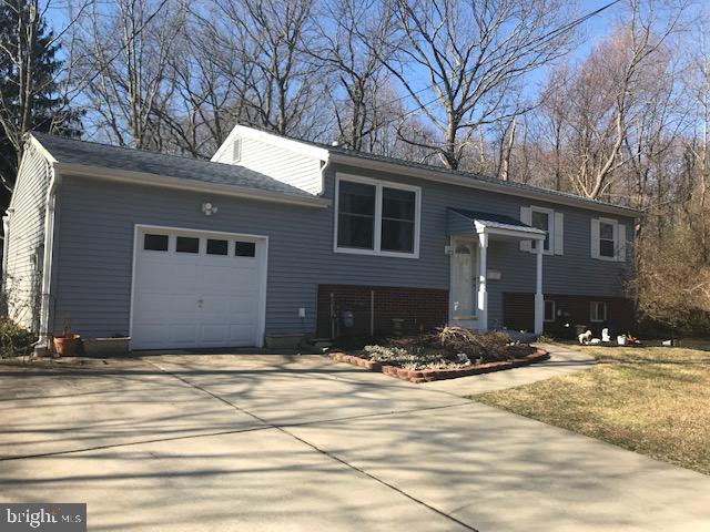 Частный односемейный дом для того Продажа на 1 WOODHAVEN Road Gibbsboro, Нью-Джерси 08026 Соединенные Штаты