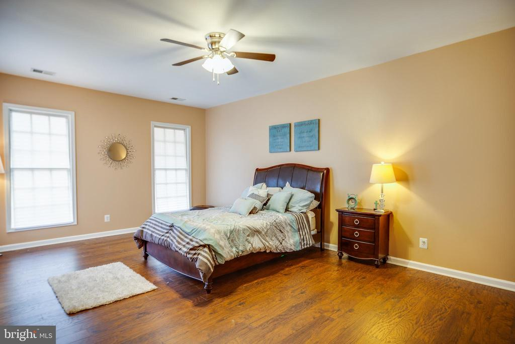 Spacious 3rd bedroom - 13610 KALMBACKS MILL DR, FREDERICKSBURG