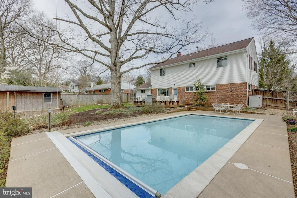 Pool - 7415 JERVIS ST, SPRINGFIELD
