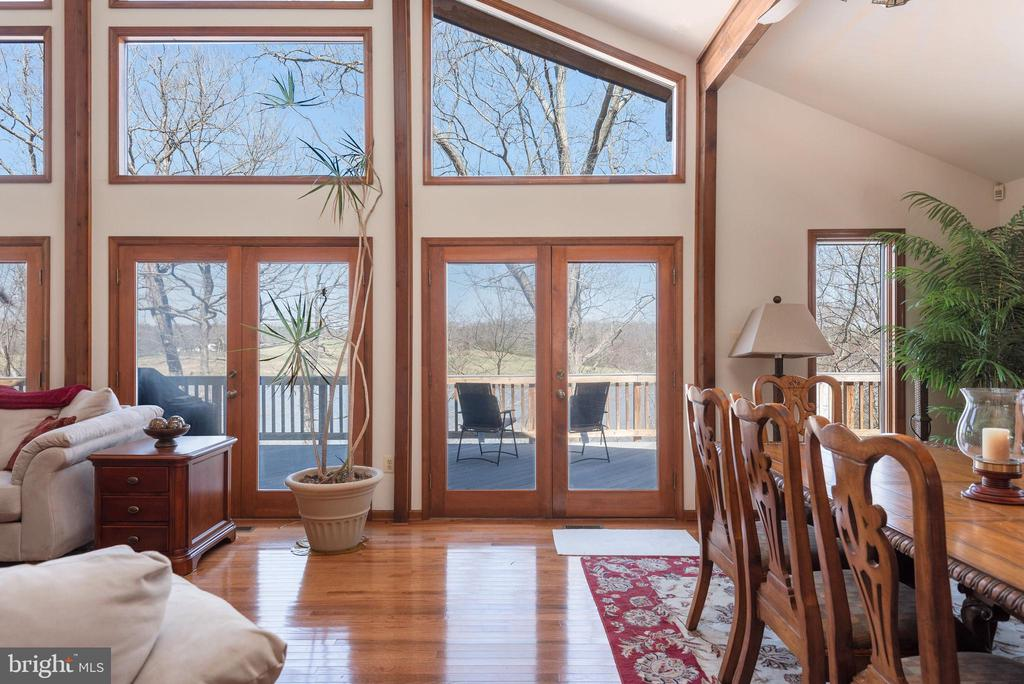 LIVING ROOM W/FABULOUS VIEWS OF LAKE ANNA - 110 WINDWAY DR, ORANGE