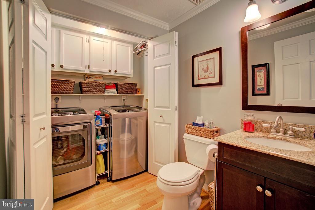 Half Bath and Laundry on main level - 10902 CARTERS OAK WAY, BURKE