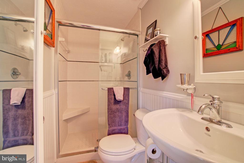 En-suite Master Bath - 10902 CARTERS OAK WAY, BURKE