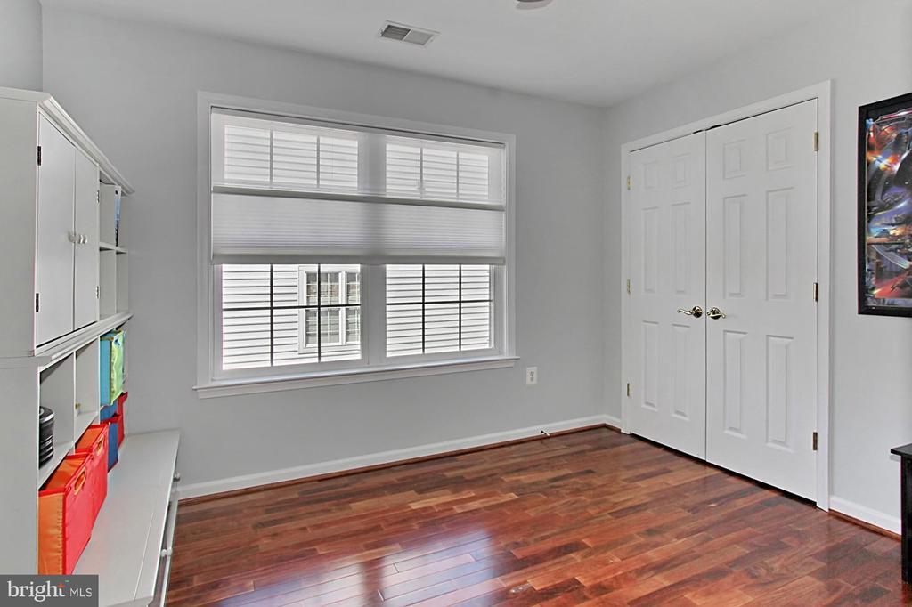 Third Bedroom - 42603 GOOD HOPE LN, BRAMBLETON