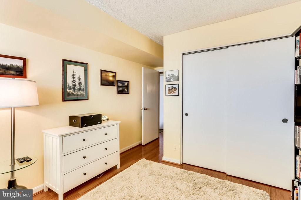 Bedroom #2 - 3800 FAIRFAX DR #1014, ARLINGTON