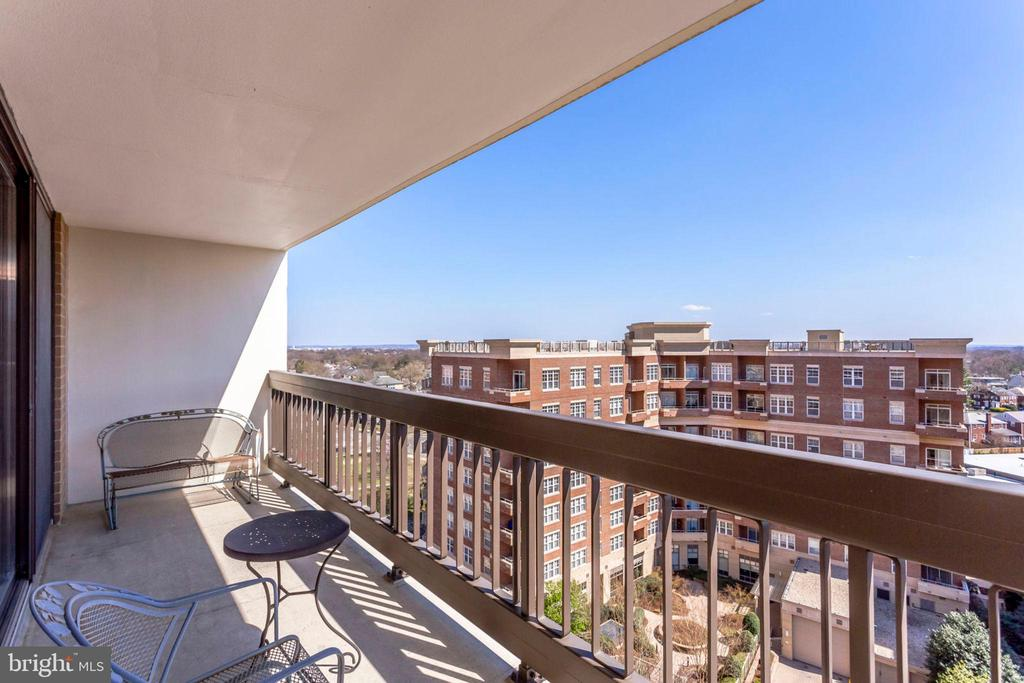 Balcony - view - 3800 FAIRFAX DR #1014, ARLINGTON