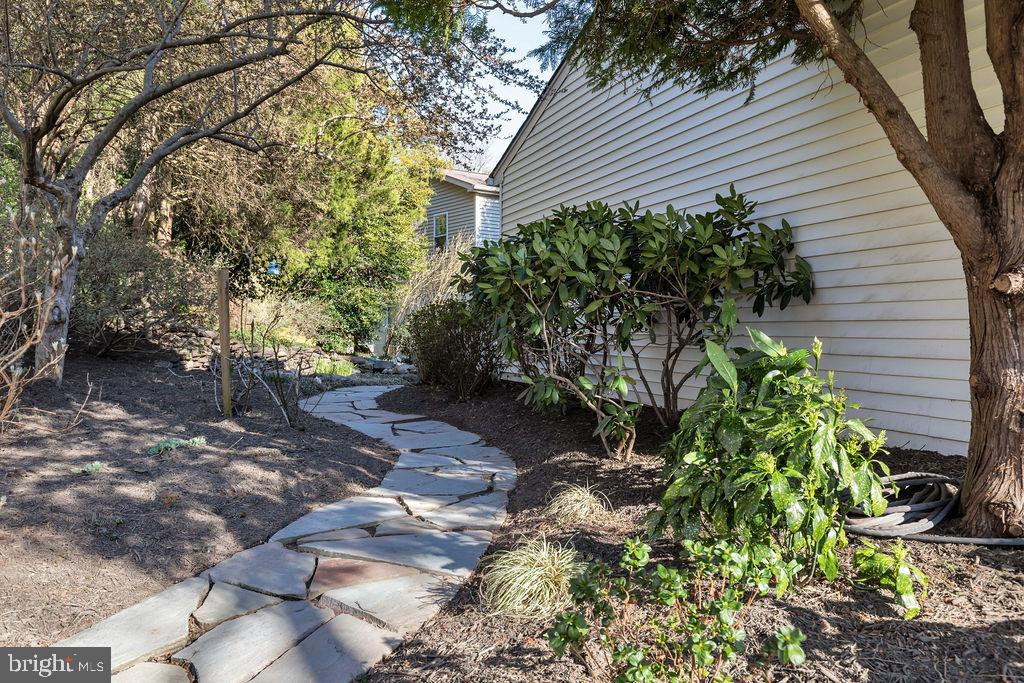 Walkway leads to front of home - 5597 CEDAR BREAK DR, CENTREVILLE