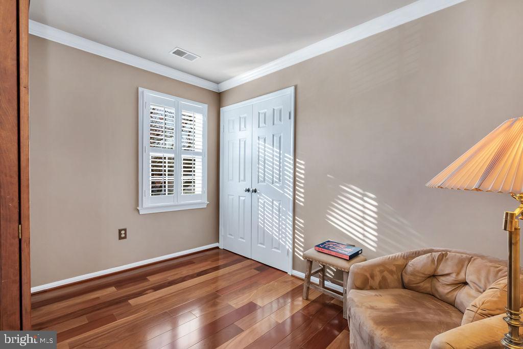 4th bedroom with Murphy bed (conveys) - 5597 CEDAR BREAK DR, CENTREVILLE