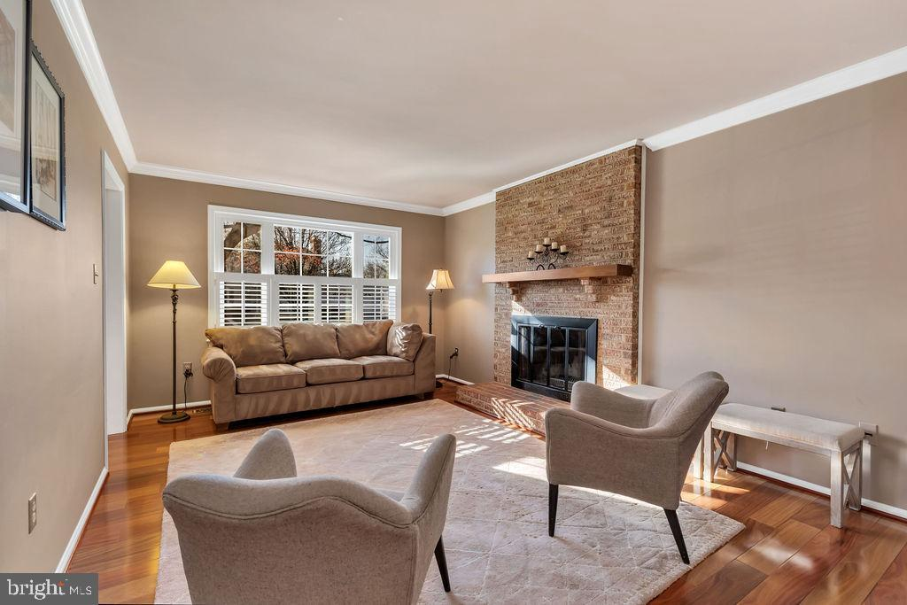 What a nice space to relax at the end of the day - 5597 CEDAR BREAK DR, CENTREVILLE