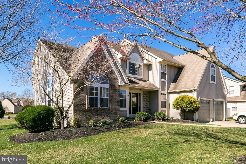 Villa per Vendita alle ore 2209 BERWICK Drive Cinnaminson, New Jersey 08077 Stati UnitiIn/In giro: Cinnaminson
