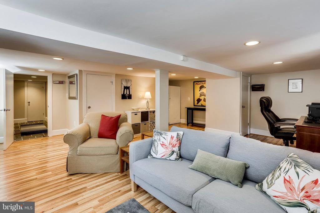 Spacious Basement Could be Bedroom #4 - 2035 N TAYLOR ST, ARLINGTON