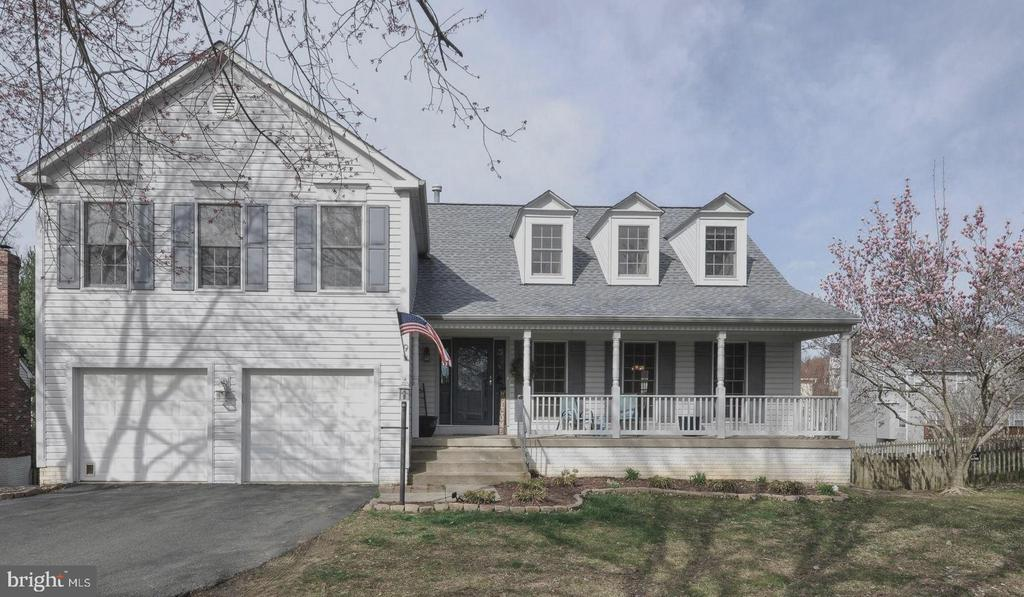 Beautiful home located on  quite cul-de sac! - 9 BANKSTON CT, STAFFORD