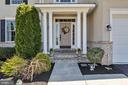 Inviting entrance - 43769 FARMSTEAD DR, LEESBURG