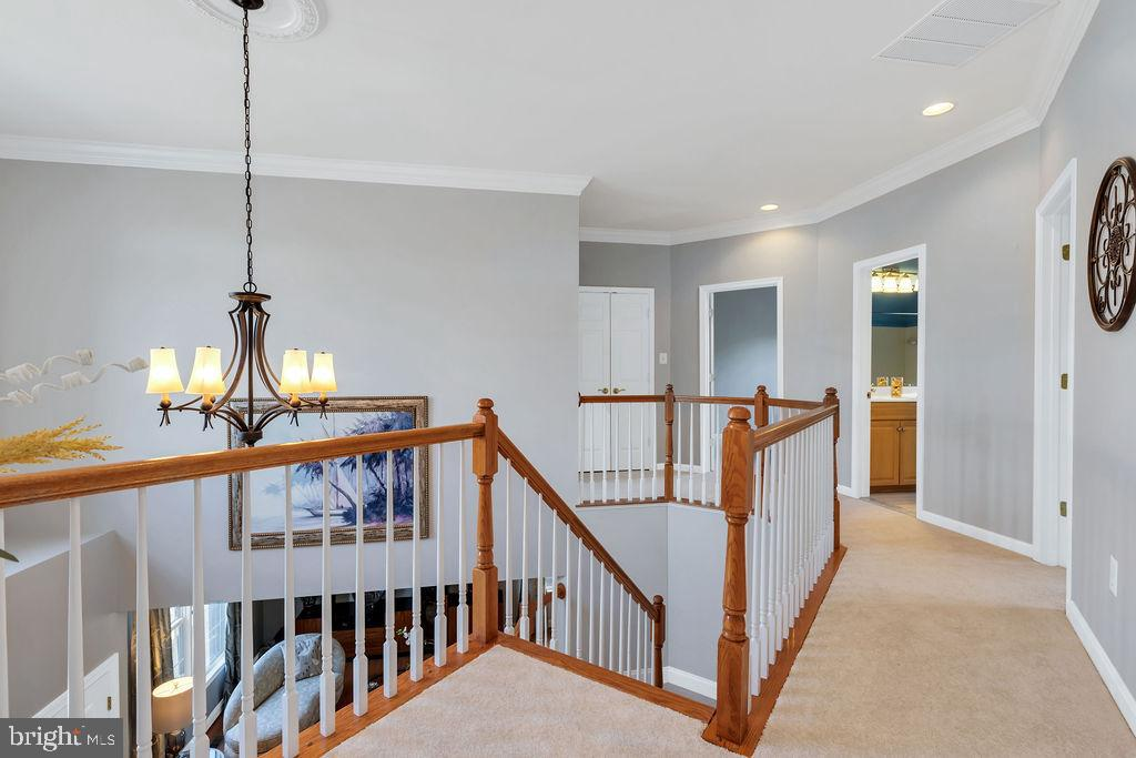 Upper hall - 43769 FARMSTEAD DR, LEESBURG