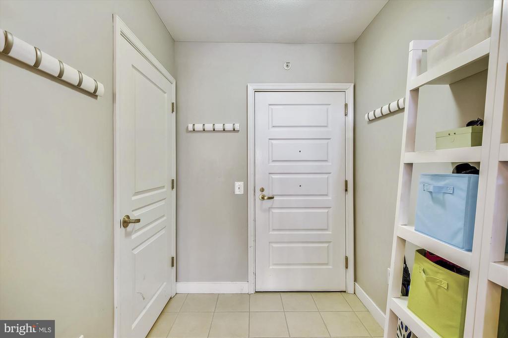 Foyer - 616 E ST NW #1155, WASHINGTON