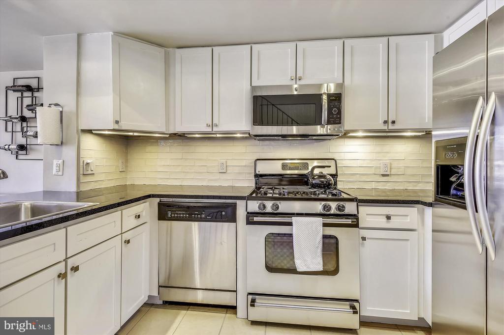 Updated Kitchen - 616 E ST NW #1155, WASHINGTON