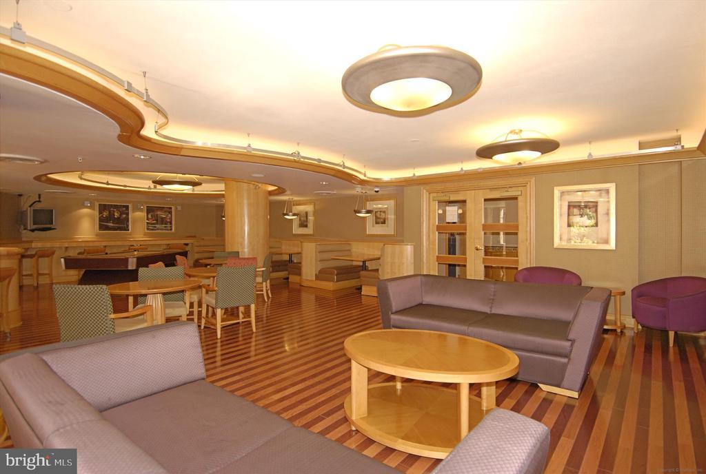 Club Room - 616 E ST NW #1155, WASHINGTON