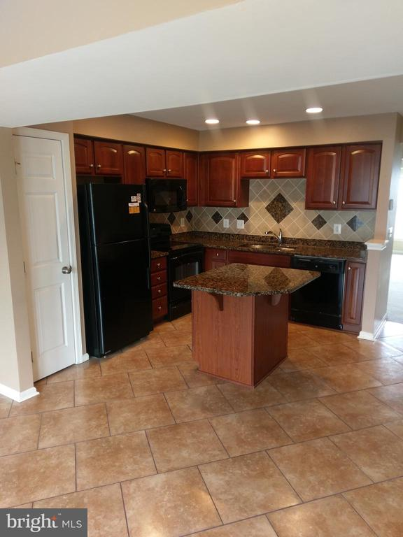 Kitchen - 1245 MARE, RANSON