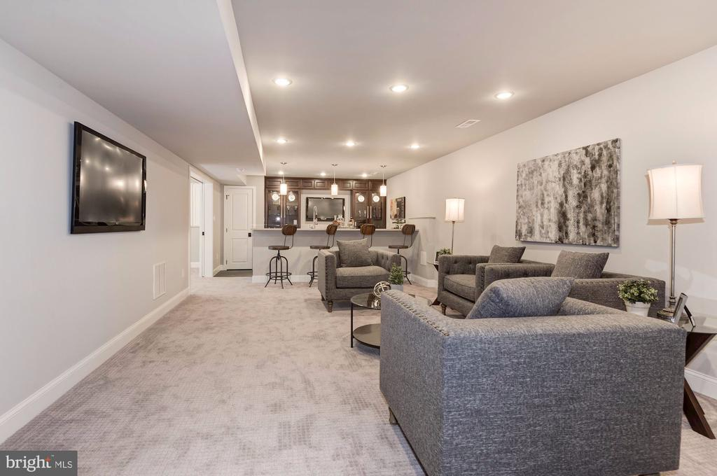 Recreation Room with Wet Bar & Patio Access - 2779 N WAKEFIELD ST, ARLINGTON