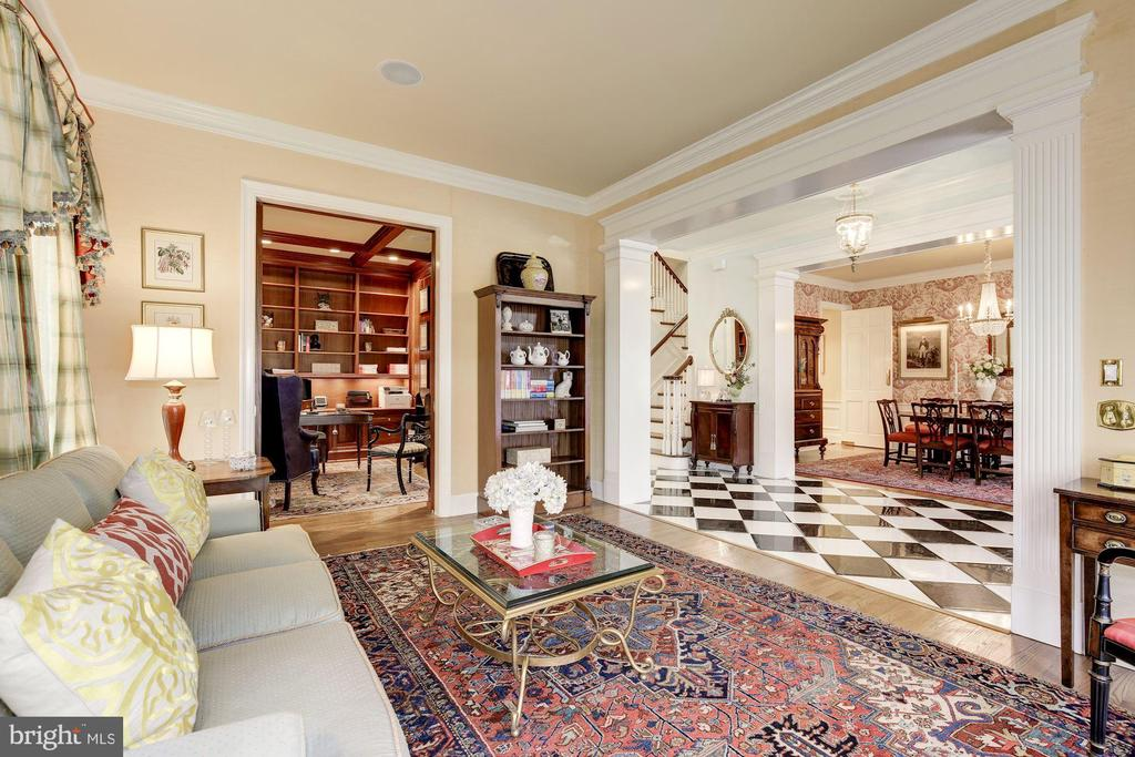 Living room w/ pocket doors to library - 224 W WINDSOR AVE, ALEXANDRIA