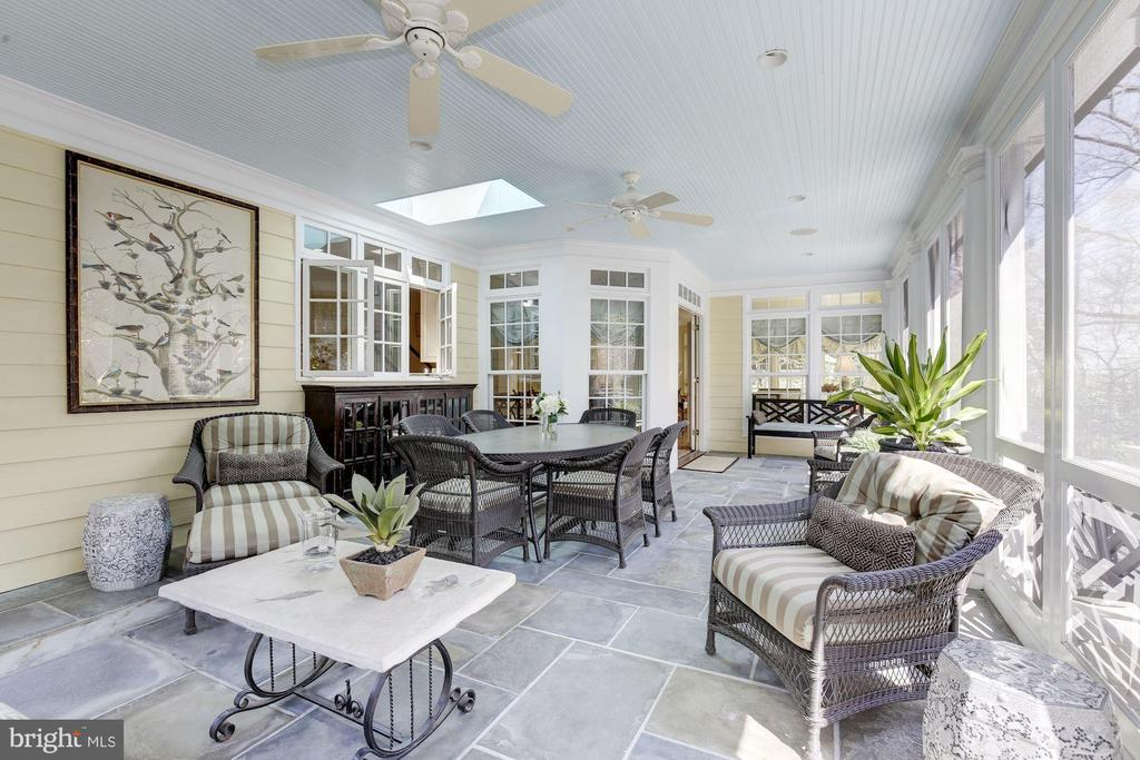 Screened porch for relaxation & entertaining! - 224 W WINDSOR AVE, ALEXANDRIA