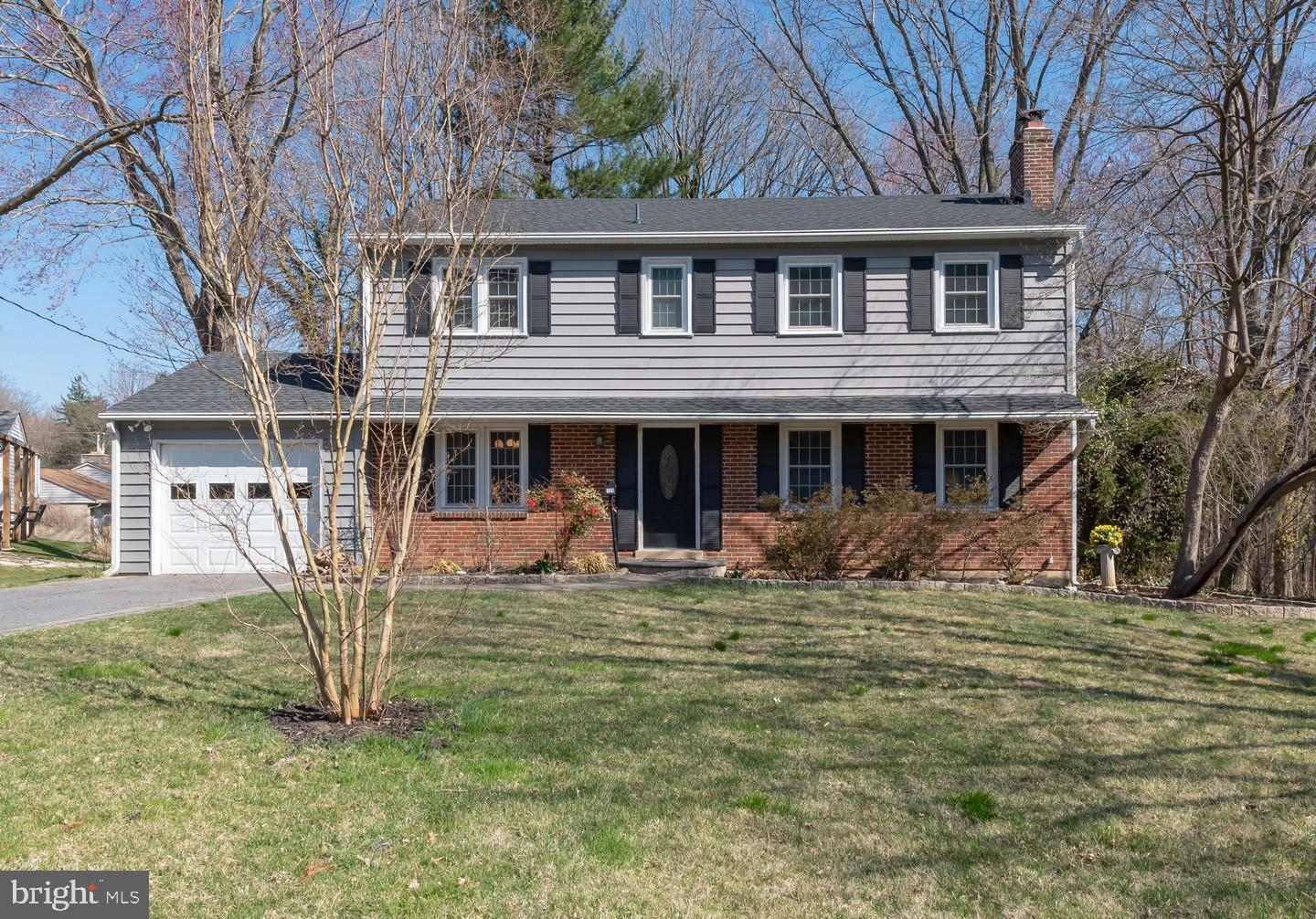 Photo of home for sale at 109 Chatham Place, Wilmington DE