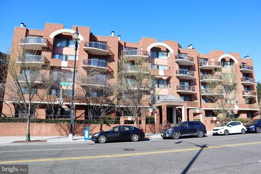 2320 WISCONSIN AVE NW #216