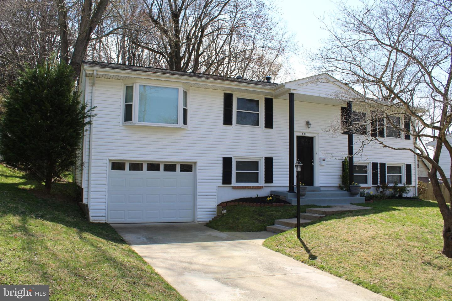 Single Family for Sale at 4511 Kelso Ct Woodbridge, Virginia 22193 United States