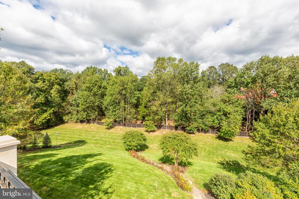 2 Acre grounds with landscaped walking path - 9110 DARA LN, GREAT FALLS