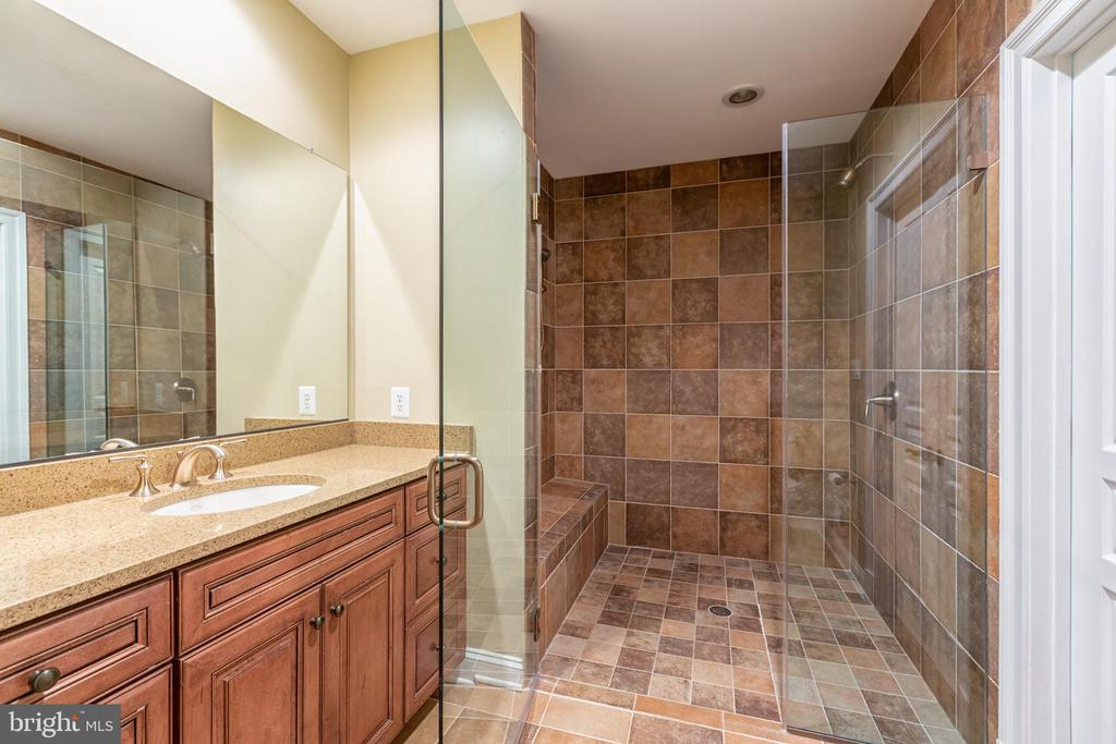 Handicap/wheel chair accessed bathroom in suite - 9110 DARA LN, GREAT FALLS