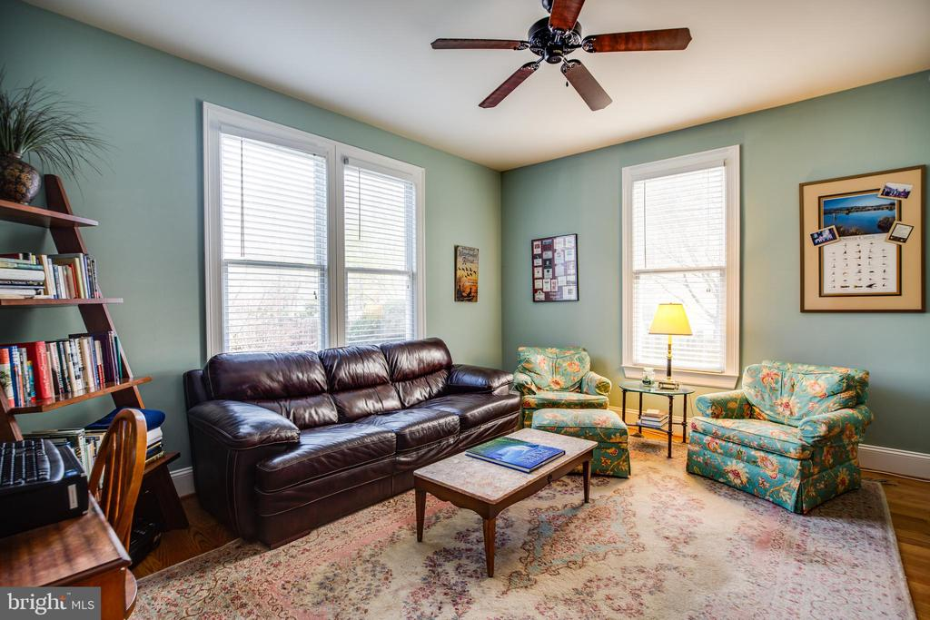 Family room could become main level Bedroom - 601 FAUQUIER ST, FREDERICKSBURG