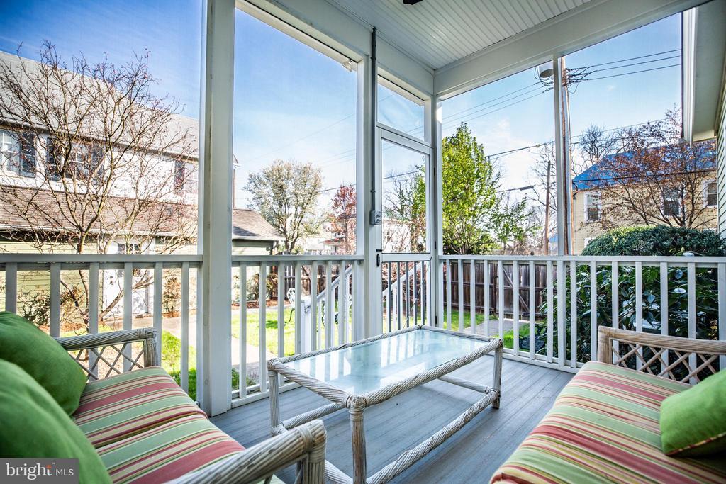 Great screened porch - 601 FAUQUIER ST, FREDERICKSBURG