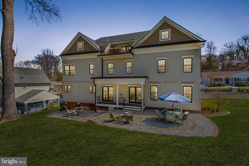 Twilight at Wakefield - Sit Back & Relax! - 2779 N WAKEFIELD ST, ARLINGTON