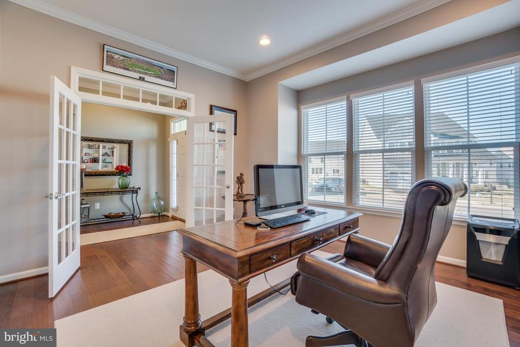 Office with french doors and closet - 12472 SOUTHINGTON DR, WOODBRIDGE