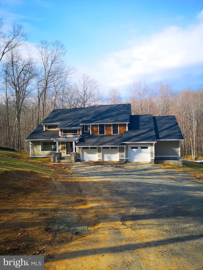 Single Family for Sale at 10614 Hunter Station Rd Vienna, Virginia 22181 United States