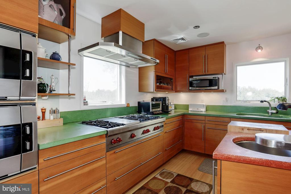 Stainless Steel Superior Appliances - 38950 PIGGOTT BOTTOM RD, HAMILTON