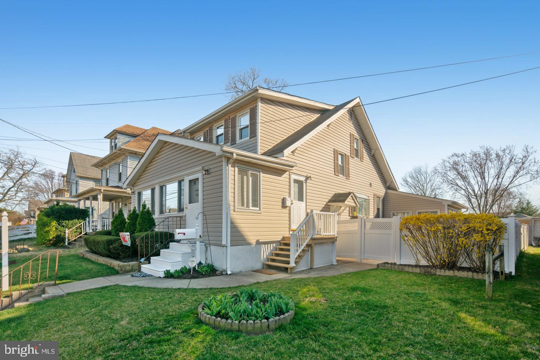 Duplex pour l Vente à 102 VIRGINIA Haddon Township, New Jersey 08108 États-Unis