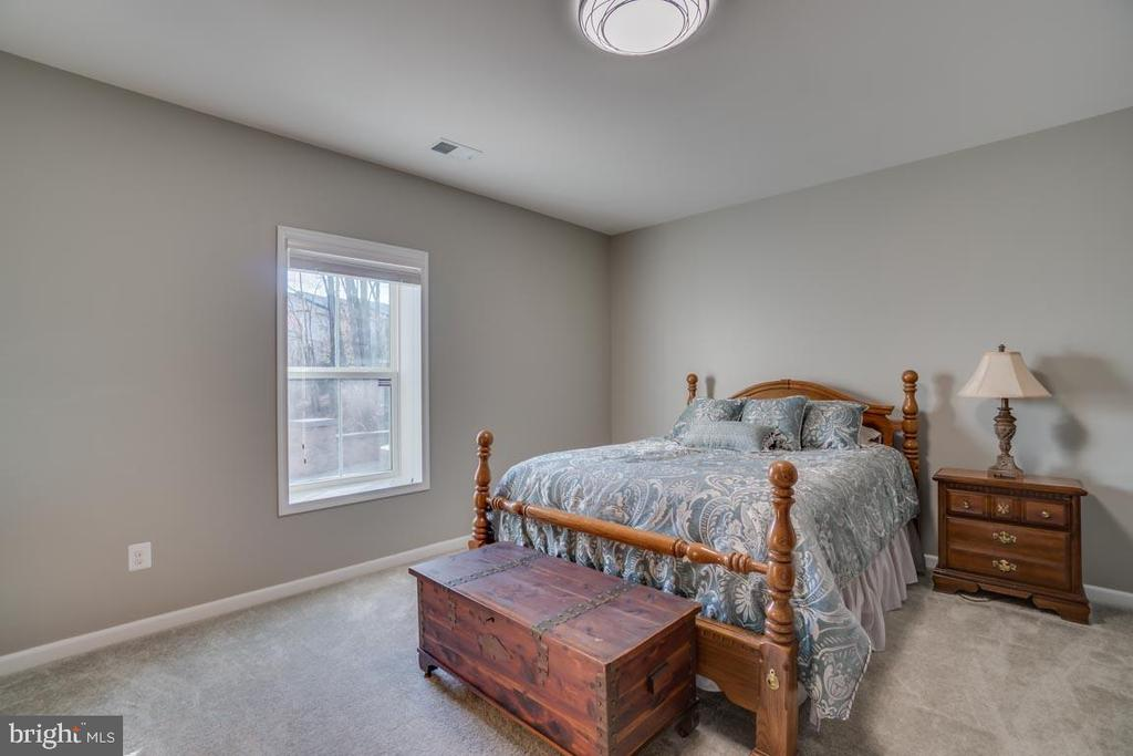 Guest bedroom - 12472 SOUTHINGTON DR, WOODBRIDGE