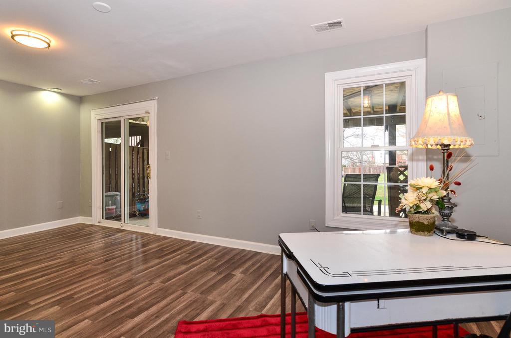 Lower Level Recreation Room with walkout to patio - 43535 POSTRAIL SQ, ASHBURN