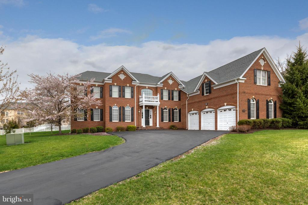 20120  BLACK DIAMOND PLACE, Ashburn, Virginia