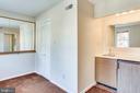 Den with wet bar and sauna - 2102 MILITARY RD, ARLINGTON
