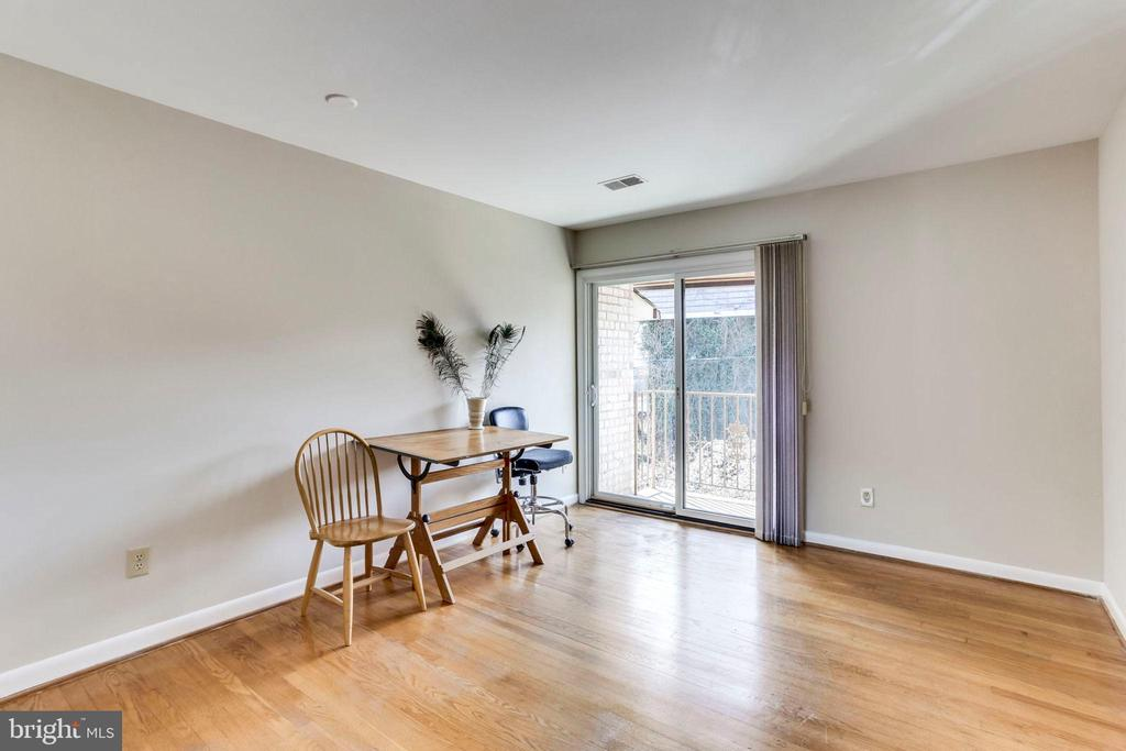 3rd Level Bedroom 2 with Balcony - 2102 MILITARY RD, ARLINGTON