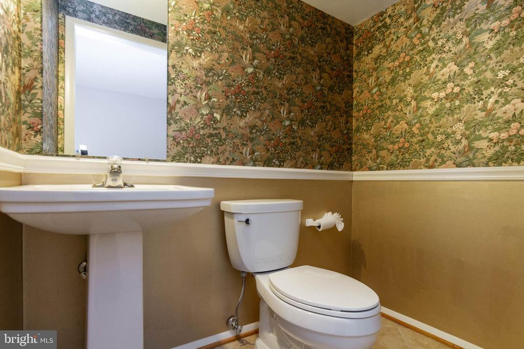 Basement Half Bath - 16612 ACCOLON CT, DUMFRIES