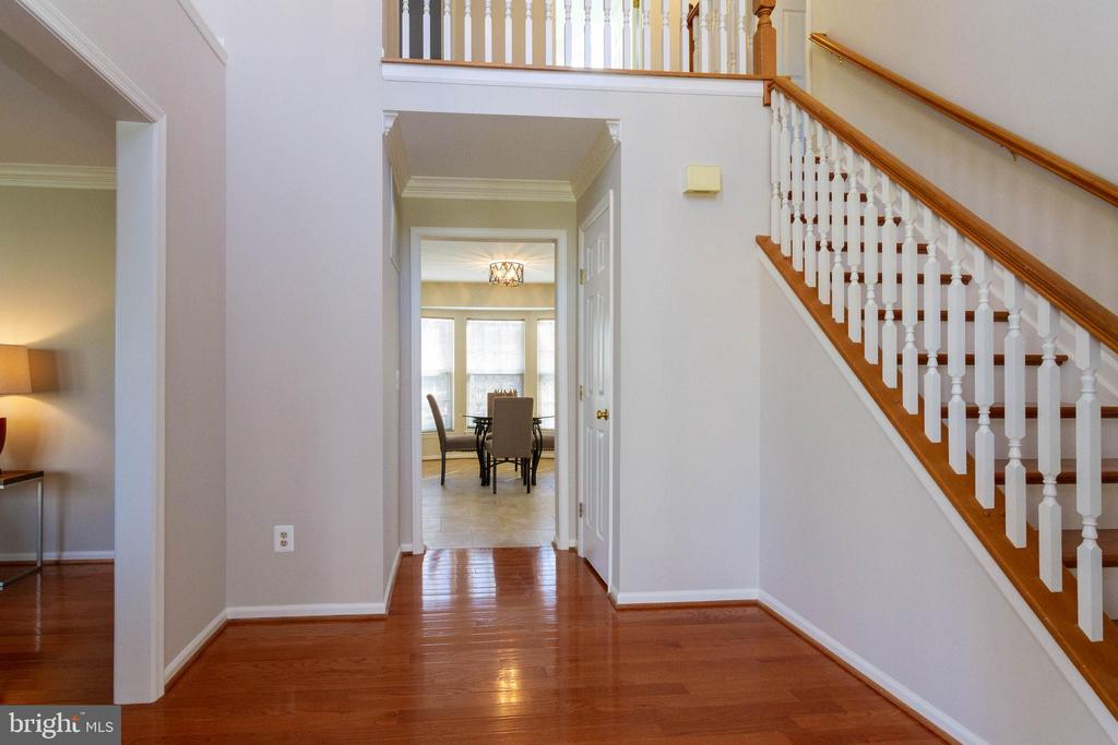 2 Story Foyer - 16612 ACCOLON CT, DUMFRIES