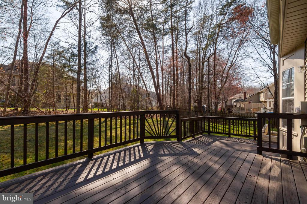Tiered Deck - 16612 ACCOLON CT, DUMFRIES