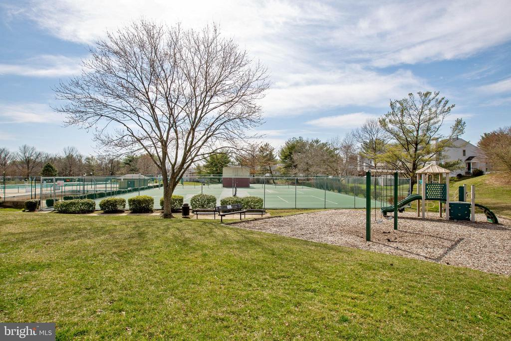 Flower Hill amenities - 18318 STREAMSIDE DR #203, GAITHERSBURG