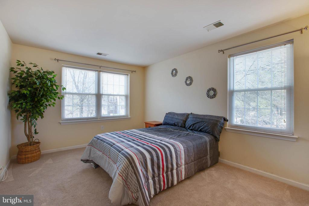 Owners Suite - 18318 STREAMSIDE DR #203, GAITHERSBURG