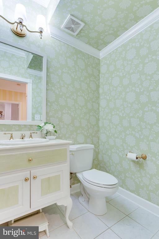 Powder Room - 9464 CORAL CREST LN, VIENNA